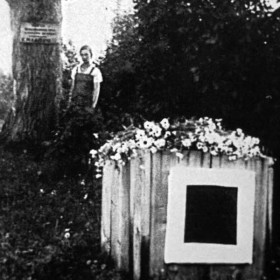 Malevich_Tomb_fixed_DROP